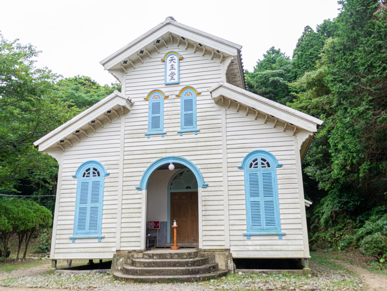 自然に溶け込む美しい教会群-1
