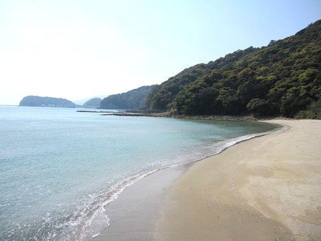 静かな海辺に建つ、堂崎教会を目指すコース-2