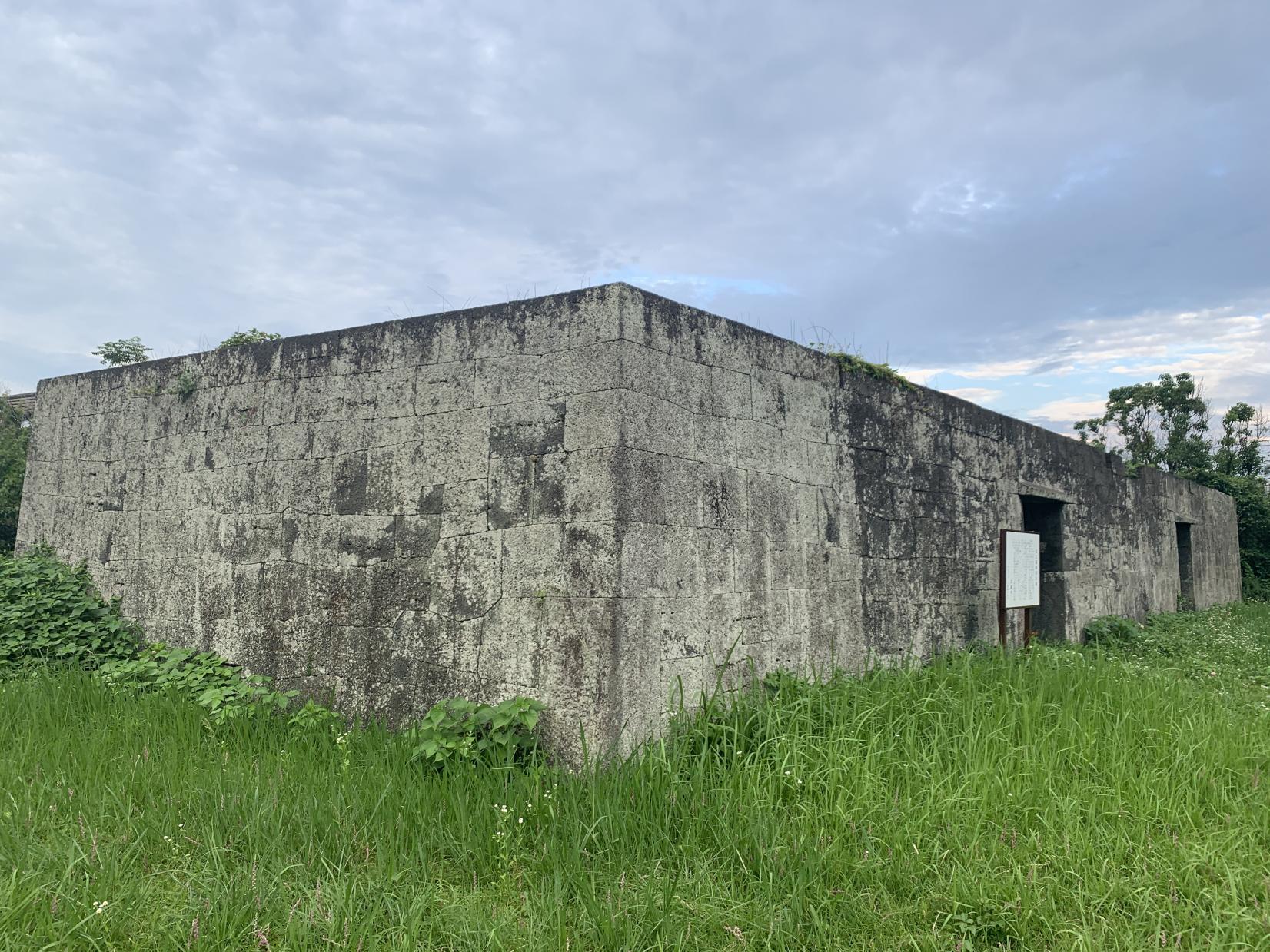 富江の陣屋石蔵-0